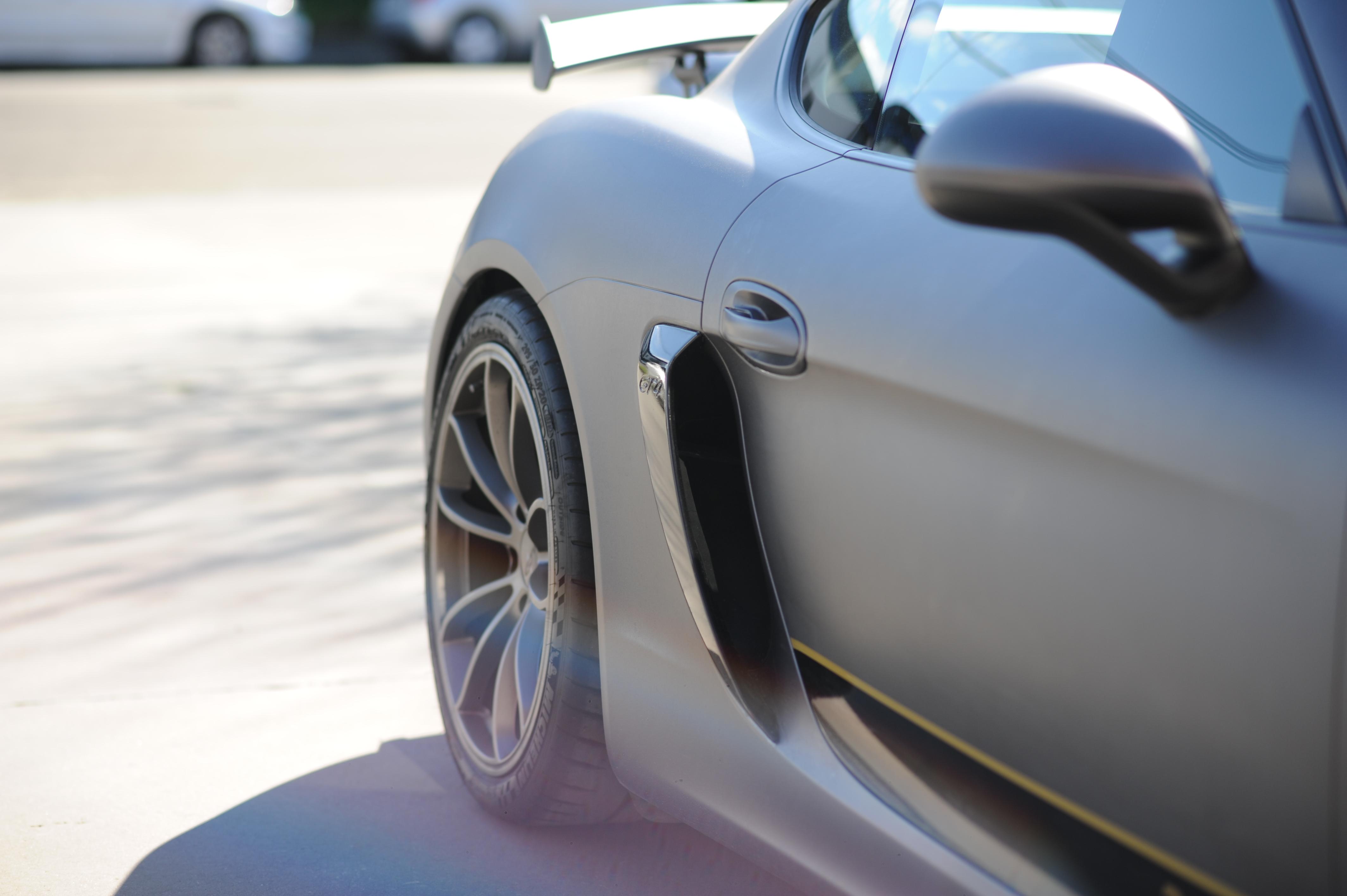 ONE Porche Cayman GT4